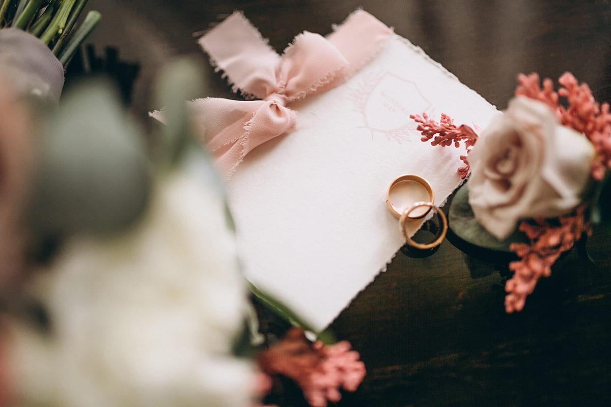 bague de fiancaille cameraman de mariage