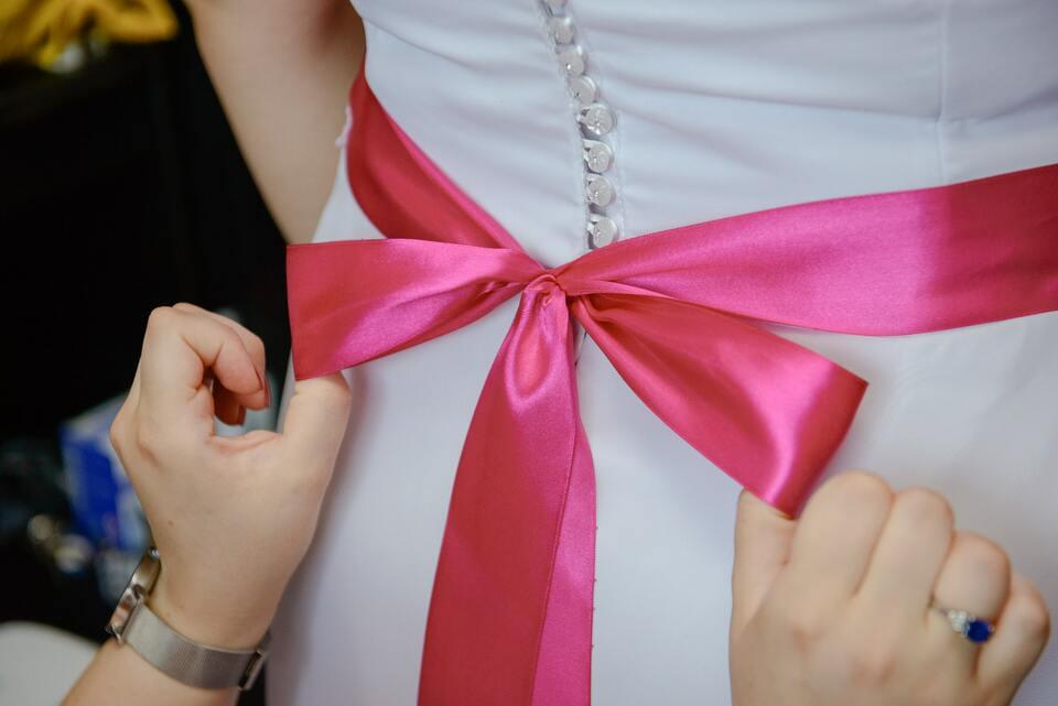 Sélectionnez les robes des demoiselles d'honneur et programmez les essayages dans le mois